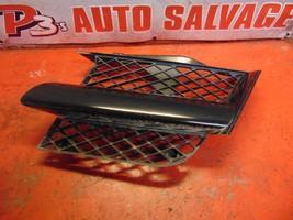 04 03 Mitsubishi Outlander oem drivers side left black front grill grille - $14.84