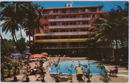 The New Edgewater Hotel on Waikiki Beach, Hawaii vintage Postcard - $2.95