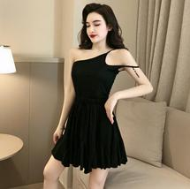 Solid color sexy off-the-shoulder personality unilateral sling skater dress image 3