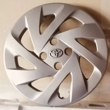 """Oem Toyota Prius '15-'17 Silver 15"""" Wheel Cover Hubcap #42602-52580 Free S&H - $59.95"""