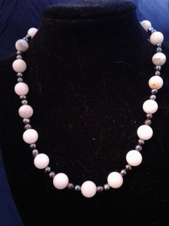 "17"" Handmade Pink Opal & Black Pearl Beaded Necklace Z213"