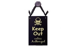 Small Wooden Door Sign Wall Plaque Keep Out Unless Authorized Skull & Cr... - €5,09 EUR