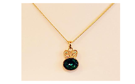 CUTE BUNNY GREEN-GEM NECKLACE   >WE COMBINE SHIPPING<   (2433)  - $3.71