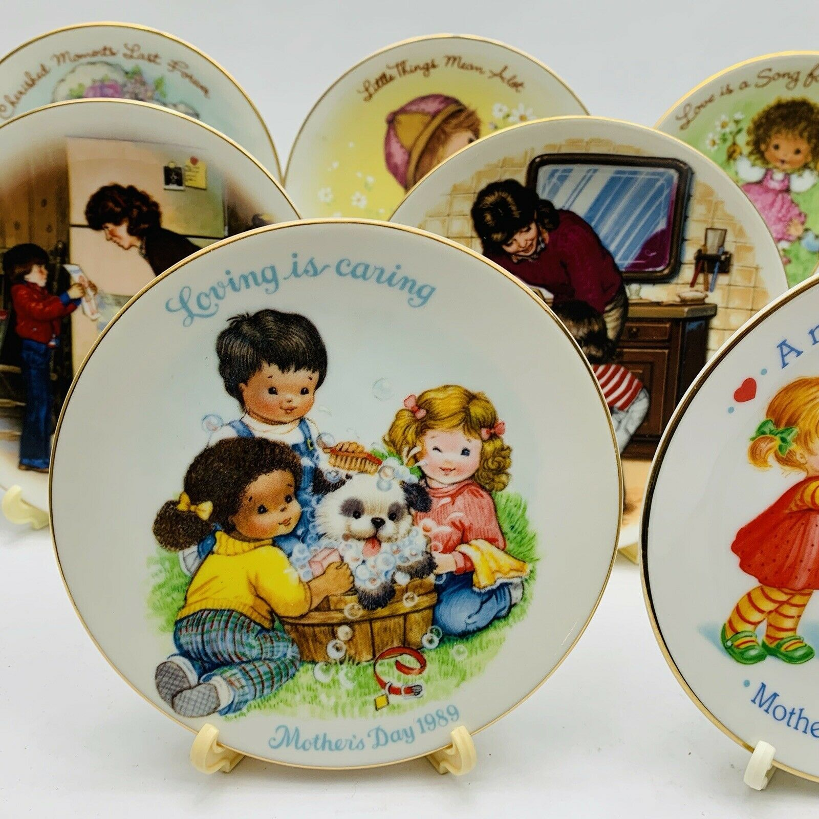 Avon Mothers Day Plates Set of 11 with Easels 1981-1991 image 3