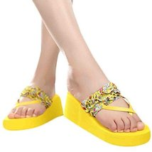 A Pair Fashion Flip-flops Leisure Slippers Prevent Slippery Slipper(Yellow)