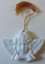 Vintage 1982 Avon Christmas Remembrance White Porcelain Angel Cherub Orn... - $6.80