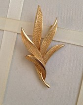 Vintage Gold Tone Fern Leaf Cluster Fashion Brooch - $30.00