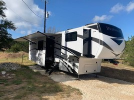 2020 REDWOOD 3951MB FOR SALE IN Spring Branch, TX 78070 image 5