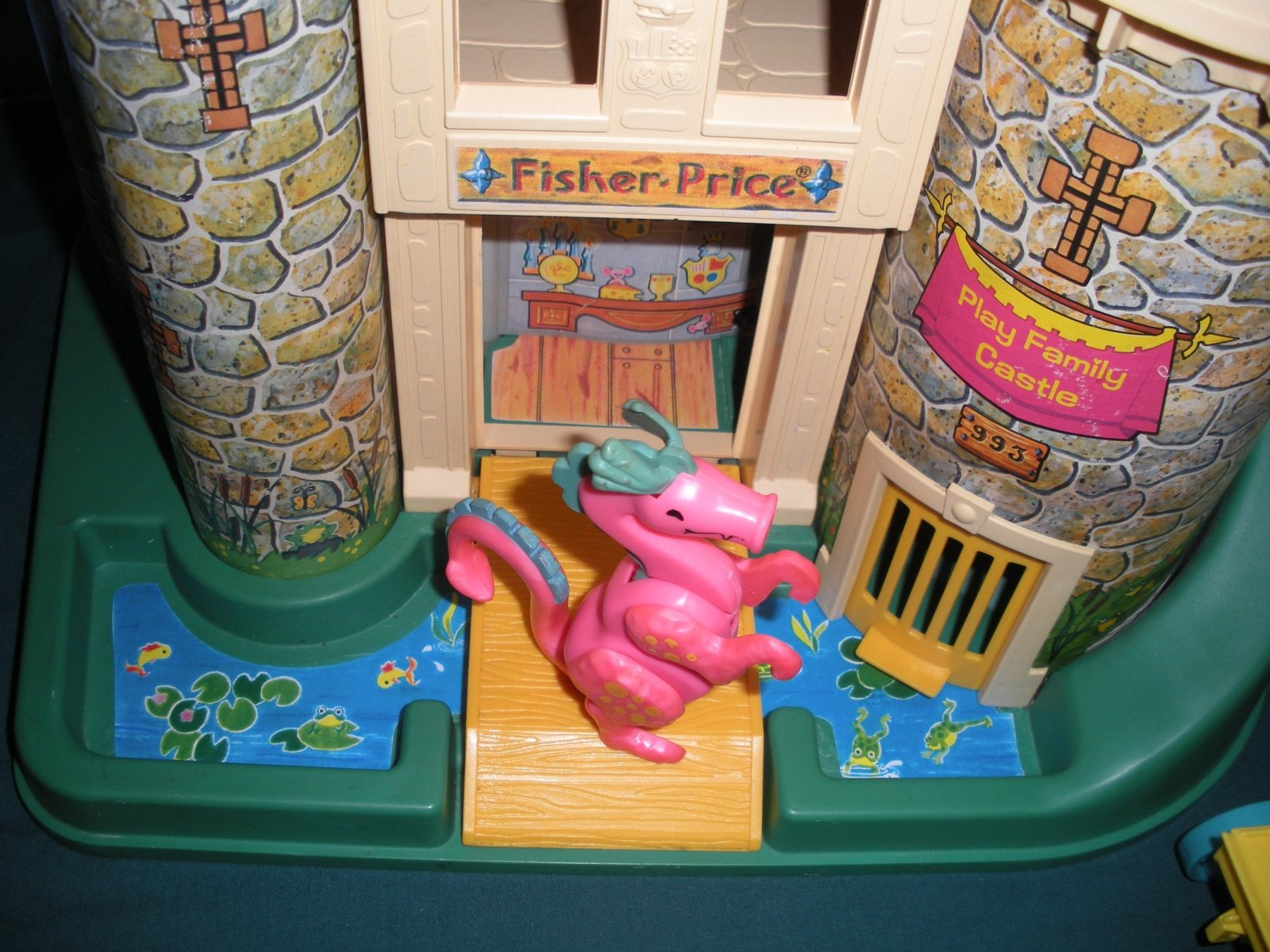 Vintage Fisher Price #993 Castle Comp./EXC++-NEAR MINT (restored) (M)