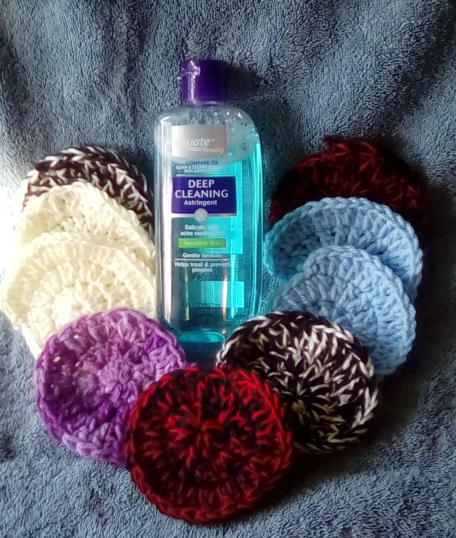 Primary image for Clean & Clear Astringent and 20 Assorted Random Mix Crochet Scrubbers.