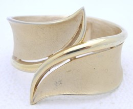 VTG CROWN TRIFARI 1940-50s Gold Tone Hinge Bracelet - $24.75