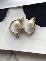Authentic Christian Dior Mise En Dior Pearl CD Logo Earrings Gold Mint image 8