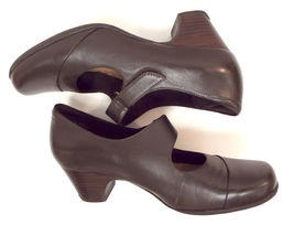 Leather Shoes CLARKS Size 7 Brown Mary Janes Artisan Pumps POP8H