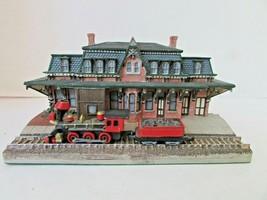 DANBURY MINT BETHLEHEM RAILROAD STATION HISTORIC RAILROAD SCULPTURE & TR... - $24.70