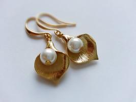 Gold Calla Lily Earrings White Pearl Earrings Calla Lily Pearl Earrings - $28.00
