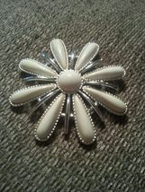 "Sarah Coventry Vintage Flower Brooch ""Snow Blossom"" 1970's - $12.00"