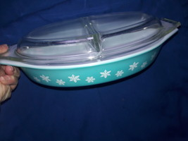 Pyrex Divided Bakeware w/Lid,Turquoise/White Vintage, 50's-60's,Fine Condition  - $28.00