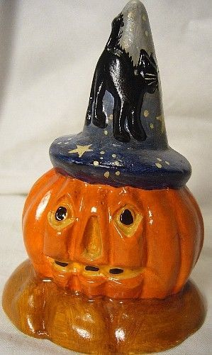 VAILLANCOURT FOLK ART JACK O LANTERN WITH WITCH HAT signed by Judi!