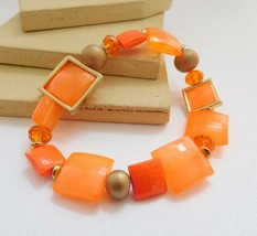 Retro 80s Orange Gold Lucite Bead Stretch Bangle Bracelet EE42 - $12.74