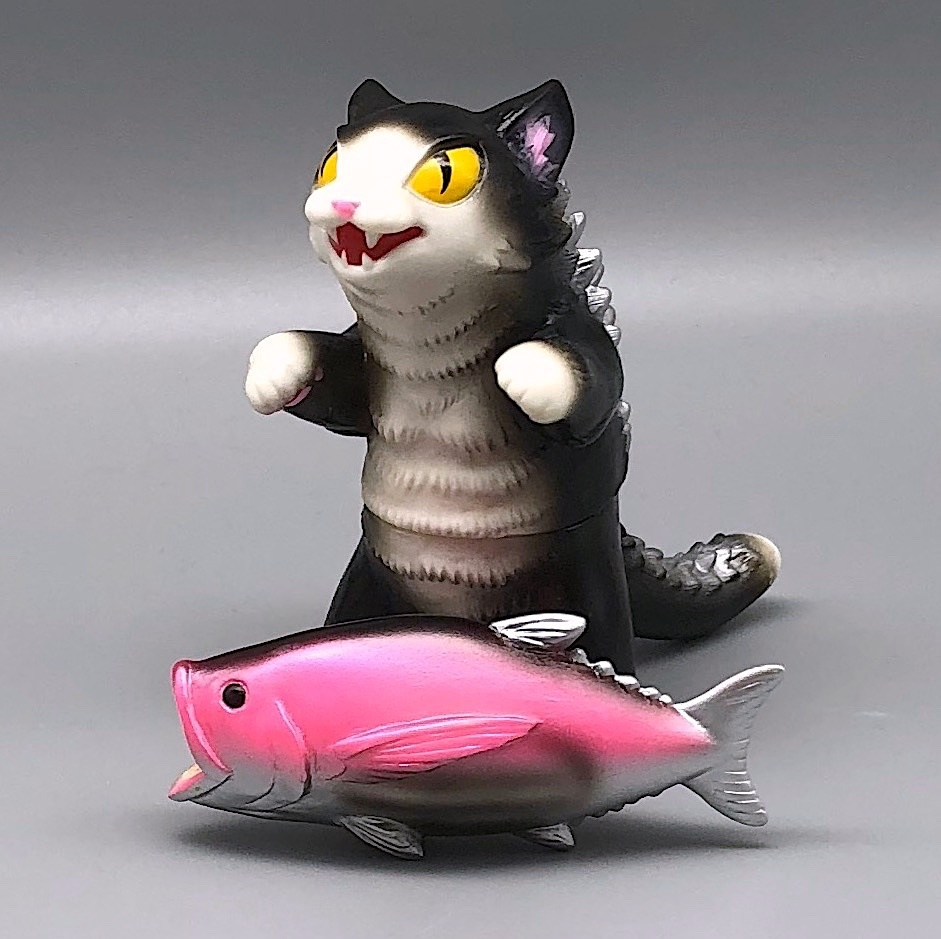 Max Toy Black and White Negora w/ Fish