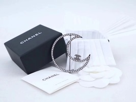 AUTHENTIC NEW CHANEL Crystal Large MOON CRESCENT CC SILVER Brooch Pin
