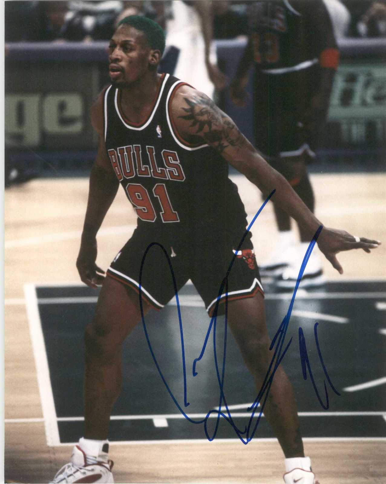 Primary image for Dennis Rodman Signed Autographed Glossy 8x10 Photo - Chicago Bulls