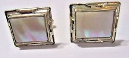 VINTAGE CUFFLINKS MOTHER OF PEARL MIDCENTURY GOLD TONE SETTING SHELL REC... - $19.00