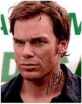MICHAEL C HALL  Authentic  Original  SIGNED AUTOGRAPHED PHOTO w/ COA 401 - $35.00