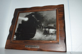 "VTG. Train Picture Engine & Caboose,""Centuries Pass At Night""- dark wood... - $767,87 MXN"