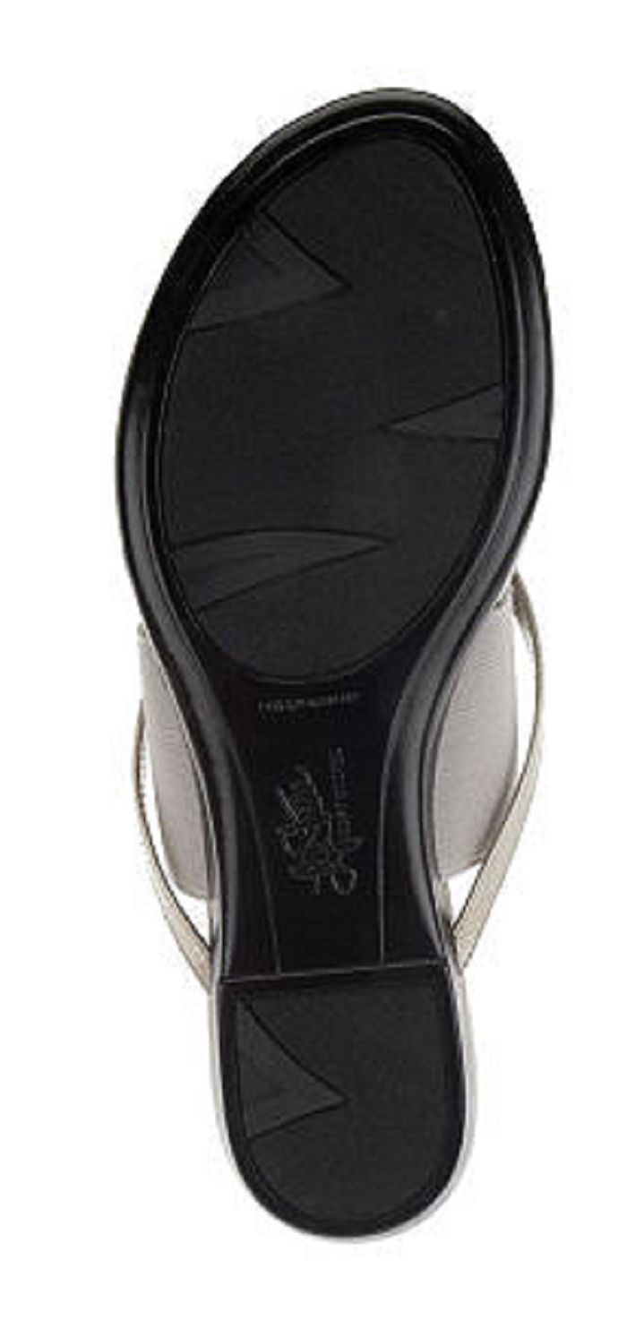 LifeStride Nitro Thong Sandals with Elastic Band, Graphite, Size 6.5M