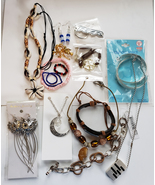 mixed jewelry lot necklaces earrings bracelet key ring 14 piece wholesale - $6.99