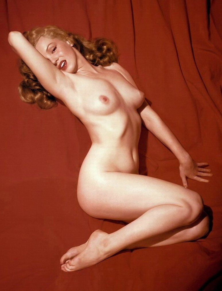 Ultra Hot - Marilyn Monroe - Movie Legend - Full-Gloss Photograph