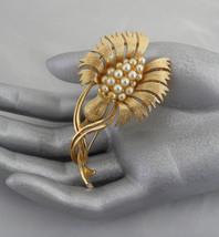 Large Lisner Brooch Rare Stylized Crewel Flower Broach Lisner Jewelry Gold - $155.00