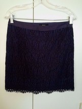 Forever 21 Ladies Navy Lace MINI-SKIRT-JR M-LINED-RAYON/COTTON/NYLON-WORN Once - $8.95