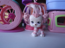 Littlest Pet Shop #225 Poodle Dog Pink White Real Hair Blue Dot Eyes Pup... - $170,82 MXN