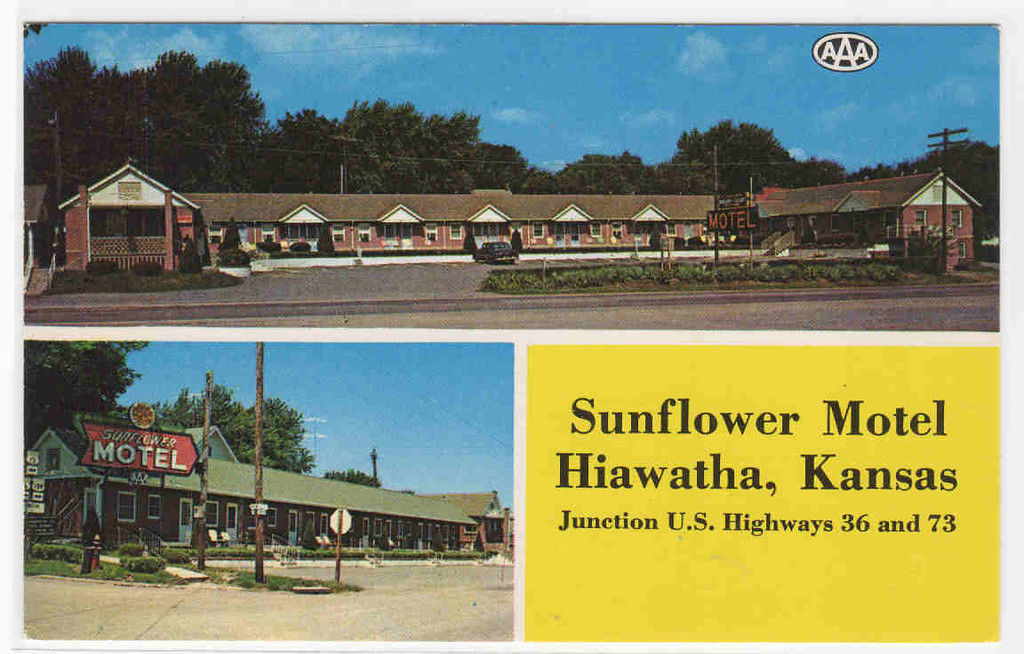 Sunflower Motel US 36 73 Hiawatha Kansas postcard