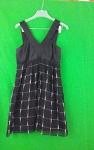 Express black/white silk above knee sleeveless cocktail dress size M - $15.84