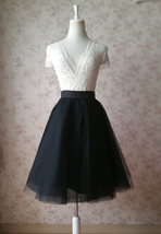 Blackmidiskirt3 thumb200