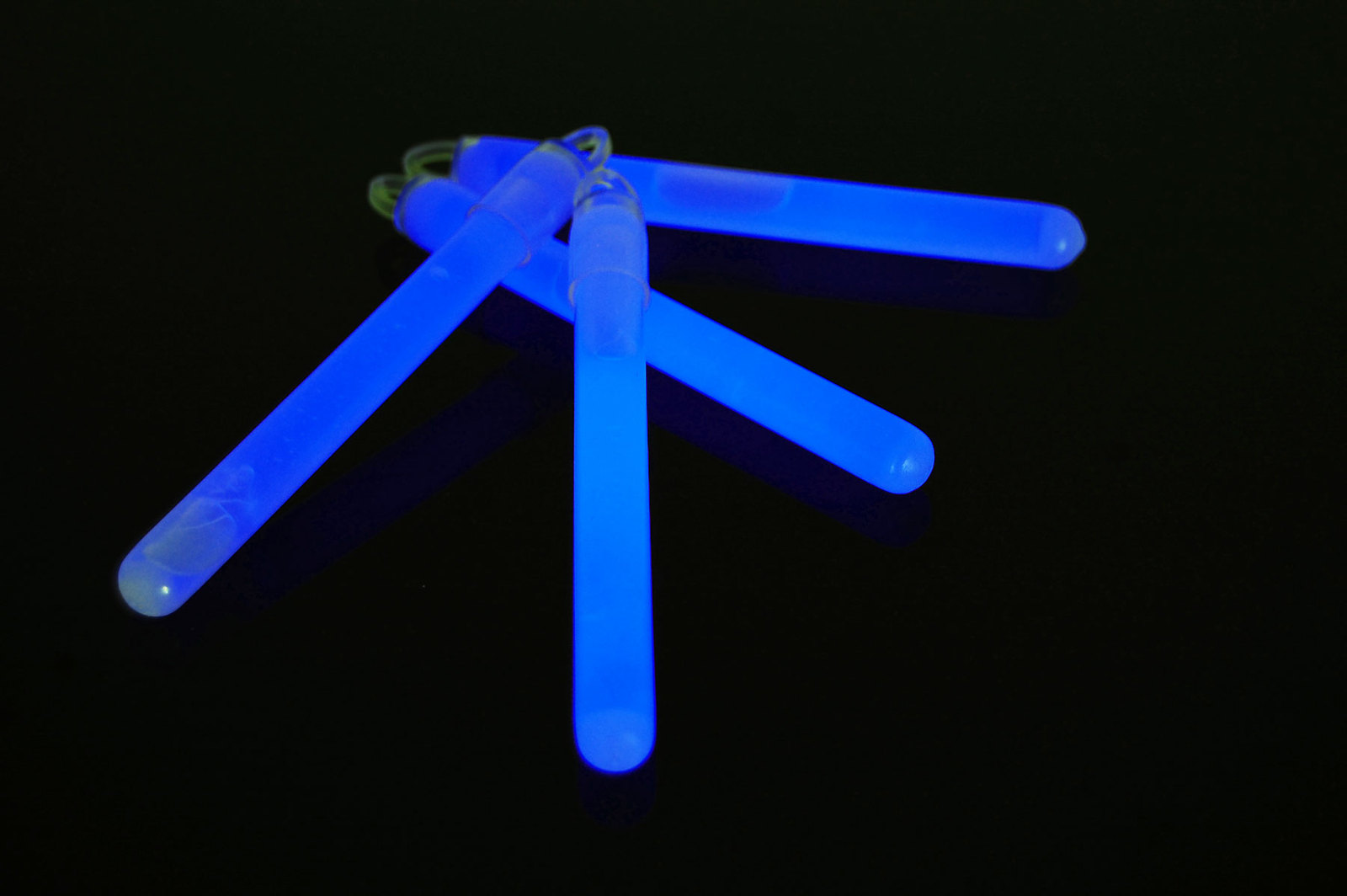 4 inch Premium Blue Glow Sticks with Lanyards- 25 Count