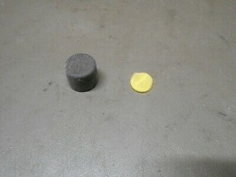 09 10 Toyota Corolla Backside Of Headlight Assembly Foam Vent Filter And Cap - $4.99