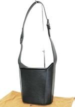 Authentic LOUIS VUITTON Sac Seau Black Epi Leather Shoulder Bag Purse #3... - $519.00