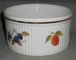 """Royal Worcester EVESHAM GOLD PATTERN 7"""" Souffle Bowl MADE IN ENGLAND image 3"""