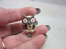 Vintage 1960's novelty costume jewelry owl pin - $7.99