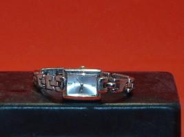 Pre-Owned Women's Lorus LR0284 Silver Tone Dress Analog Watch - $8.91