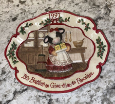 Enesco Mary's Moo Moos 1997 3D Plate It's Butter To Give Than To Receive 274445 - $19.26