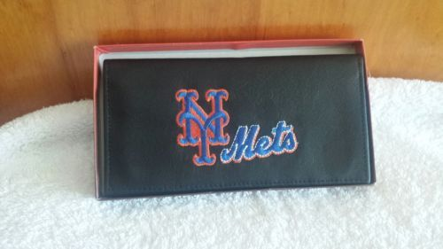 NEW YORK YANKEES CHECKBOOK COVER BASEBALL....FREE SHIPPING