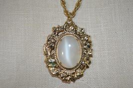 Beige Quartz Stone Gold Stone Floral Repousse Pendant Braided Chain Neck... - $24.74