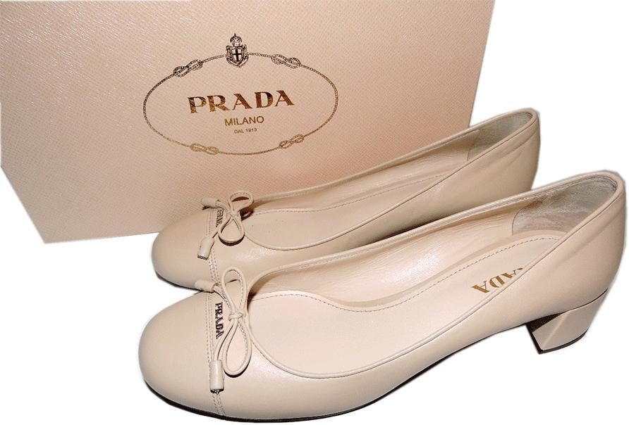 Prada Cap Toe Low Heel Nude Leather Pump Bow Gold Logo Shoe 40.5- 10 Beige