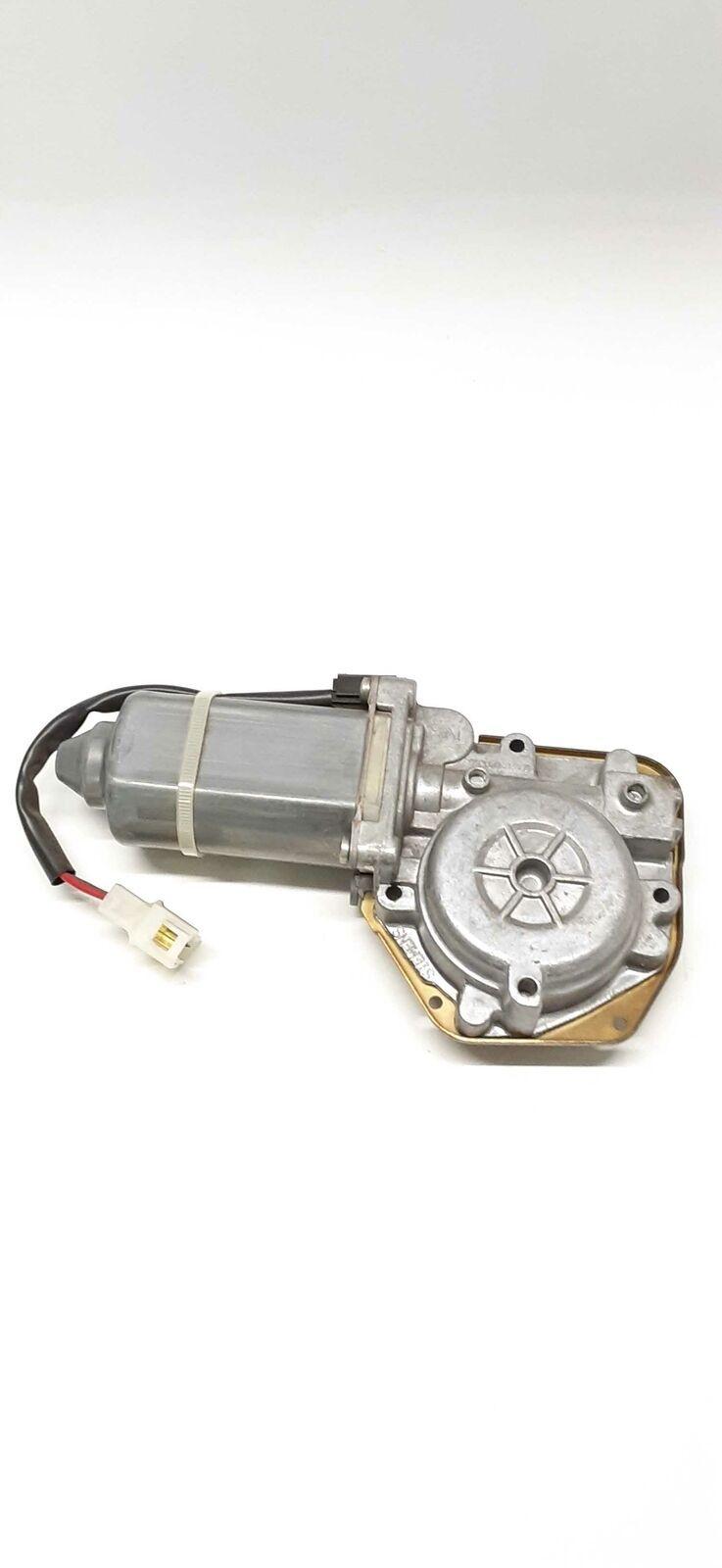 Genuine OEM CM090410D Left Window Lift Motor - $37.05