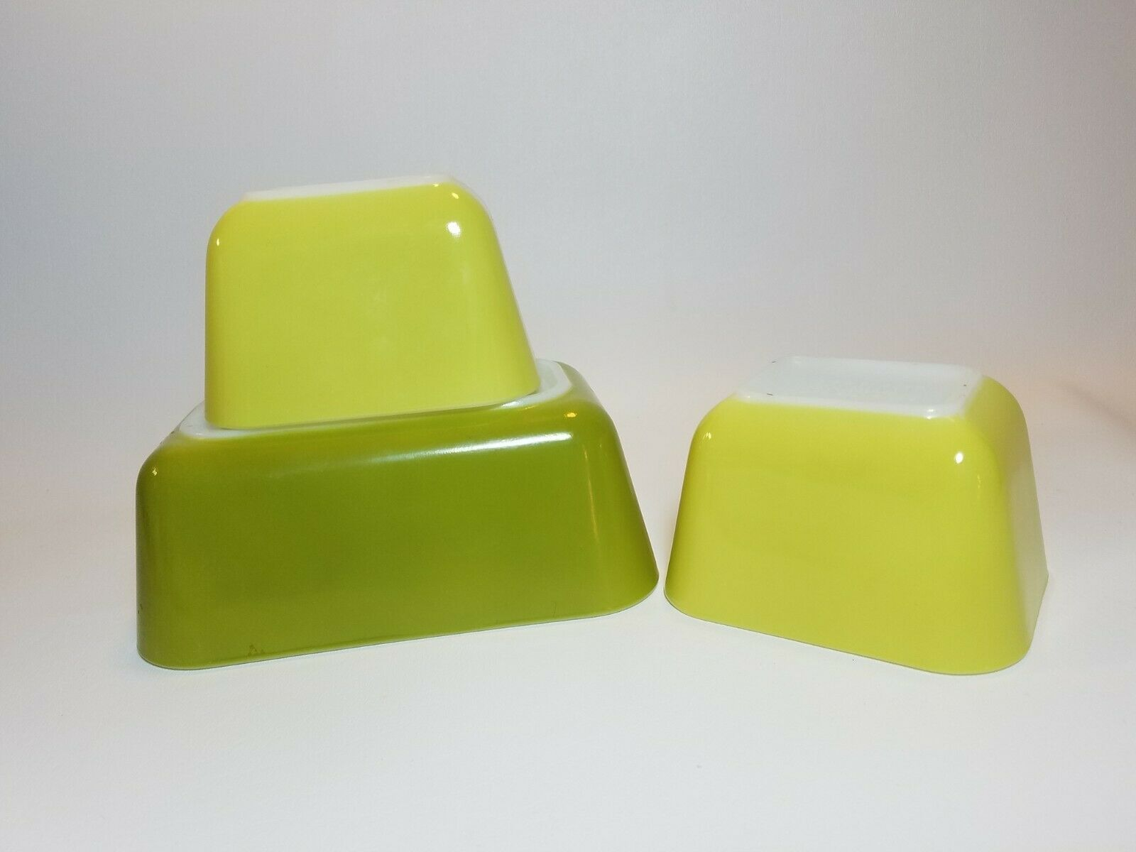 Vintage Pyrex Verde Green and Yellow 501 & 502 Refrigerator Dishes No Lids image 2